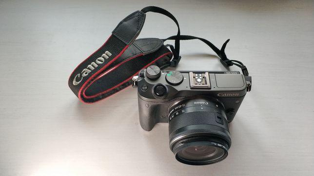 Aparat foto Canon M6 mirrorless