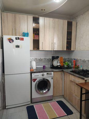 Продам кухонную мебель с встроенным газом. Кухня в хорошем состоянии.