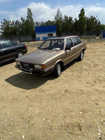 Audi 80 B2. В отличном состоянии, все родное, все оригинал.