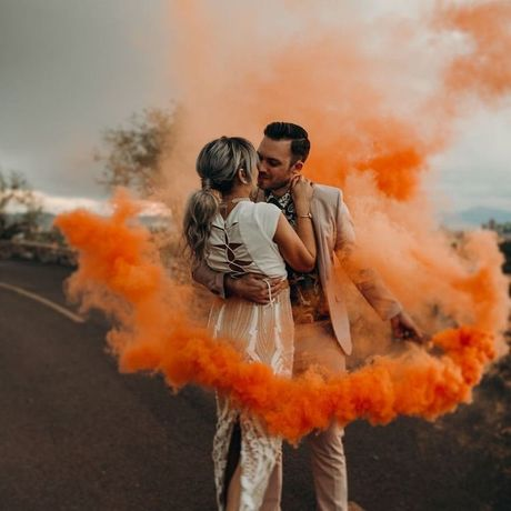 Fumigene colorate pentru sedinte foto, Untold