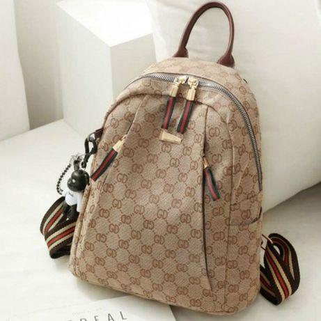 Rucsac Gucci, new model,material textil/Italia,breloc atașat