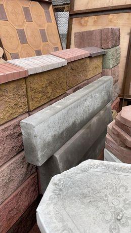 Строительная бригада строит под ключ от кладки кирпича и отделки фасад
