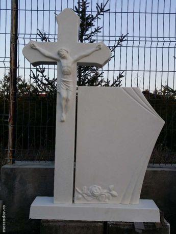 Cruci Funerare Din Ciment Alb si Mozaic