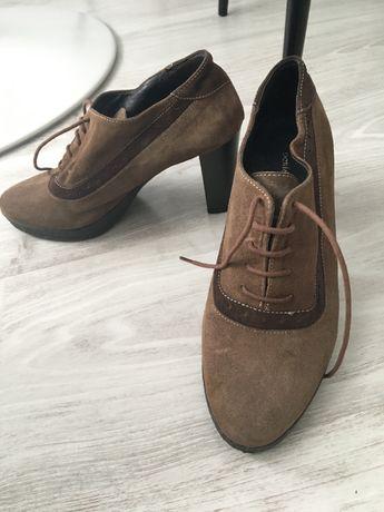 Pantofi de piele