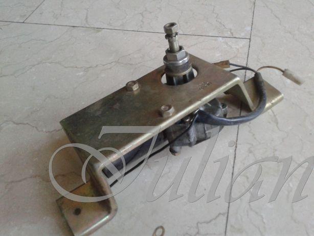 motoras 12V cu reductor unghiular de turatie ansamblu montaj lunetaNOU