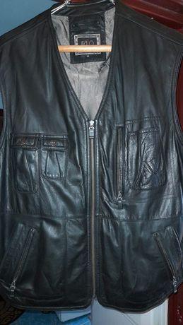 Vând haina de piele