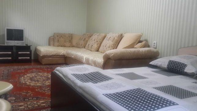 Продам кровать и диван, не дорого. Цена за 2 вещи