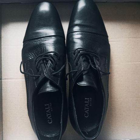 Pantofi eleganti catali purtati o singura data la un botez