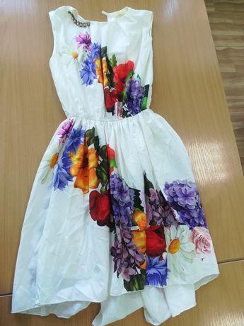 Продам красивые, нарядные платья