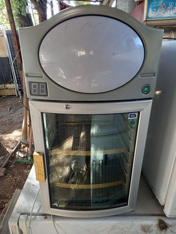 Мини ветринный холодильник
