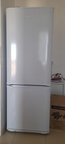 Холодильник Бирюса Стиральный машина Самсунг