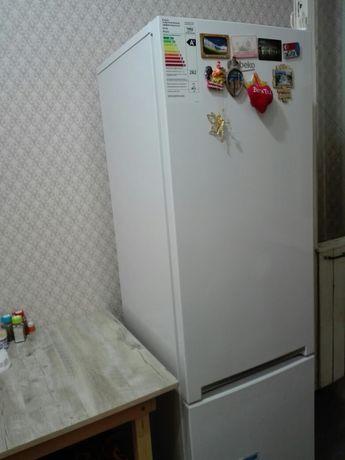 Холодильник Веко в отличном состоянии