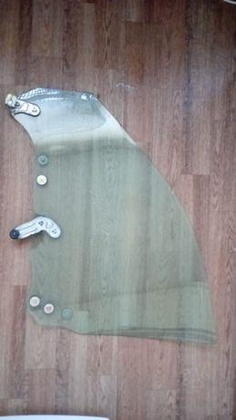 Боковое правое переднее стекло SUBARU IMPREZA 2