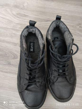 обувь мужская 40-44р-р и детские кроксы по 1500 тг