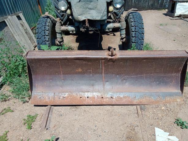 Лопата на трактор передняя