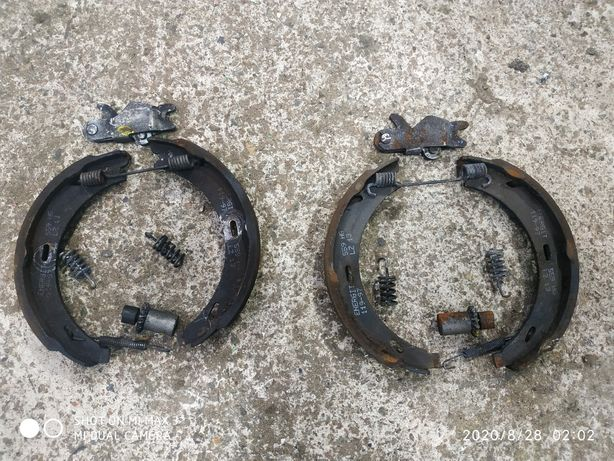 Колодки ручника W210,W124,w201,w202,w140 Мерседес