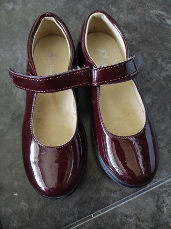 Лакированные туфли Naturino оригинал