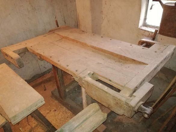 продавам стар дърводелски тезгях, 60 години, оригинален,нереставриран