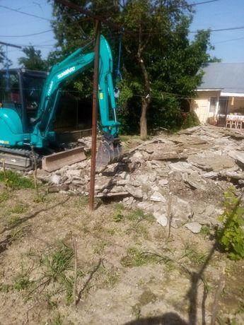 Execut lucrări de excavații cu miniexcavator de4. 2t