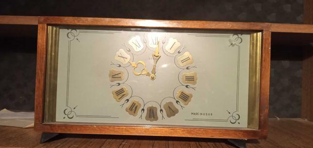 Продам часы настольные