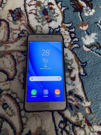 Samsung Galaxy J5 /2016/ 16 гб