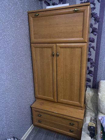 Продам 2 шкафа в хорошем состояний!