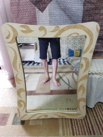 зеркало отличном состоянии.