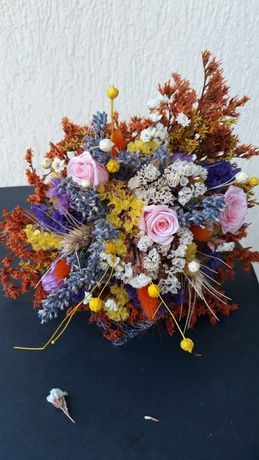 Buchete nunta , cadou de flori uscate si trandafiri criogenati
