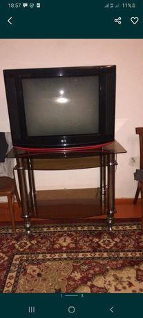 Телевизор с потставкой