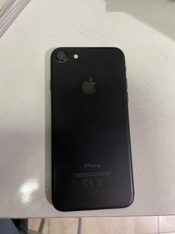 Iphone 7 32гб В хорошем состоянии