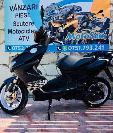 2 Yamaha Aerox 50