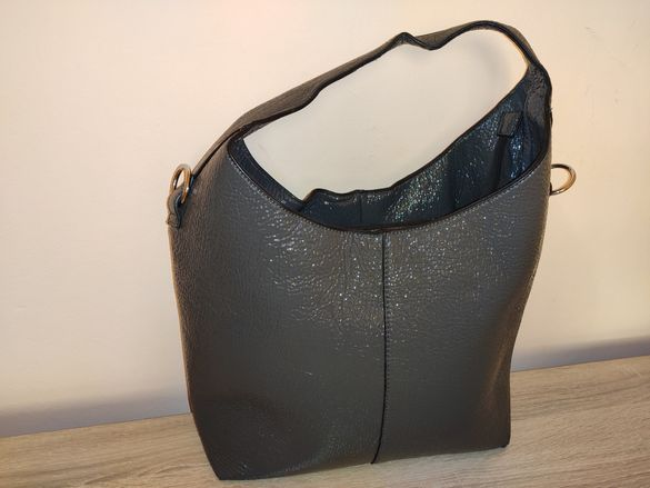 Лачена дамска чанта