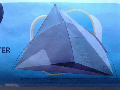 Cort parasolar/ umbrar pentru plaja / picnic, dim. 200x120x120cm, nou