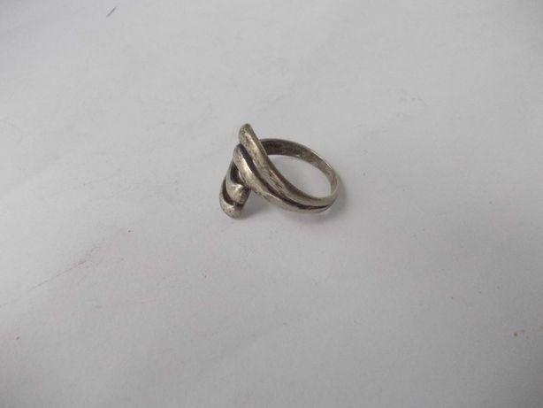 Inel vechi din argint C
