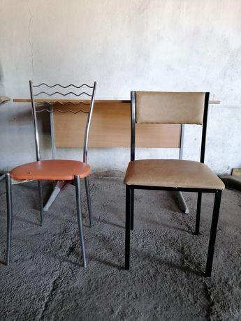 СРОЧНО ! Столы и стулья с металическими ножками