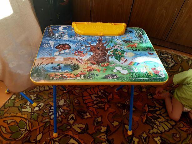 Продам стол со стульчиком. Прошу 12000тг