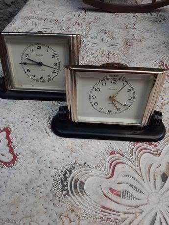 Vand ceasuri vechi de masa  marca Slava