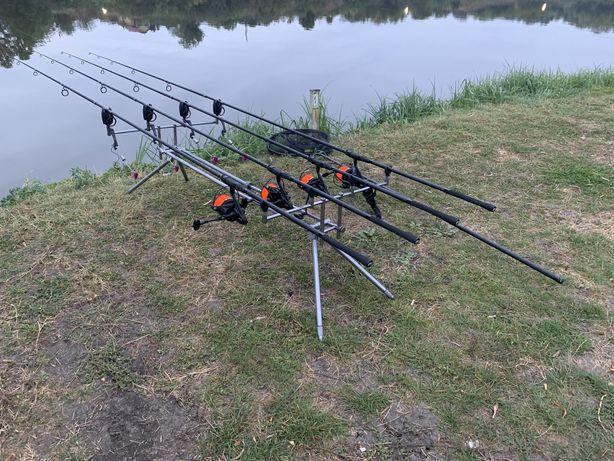 Set complet pescuit crap lansete mulinete rodpod senzori