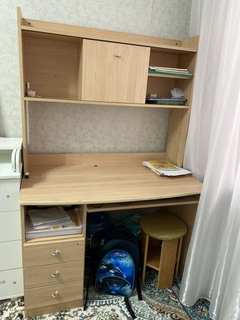 Писменный стол для школьника