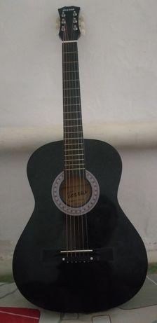 Гитара цвет чёрны с чехлом