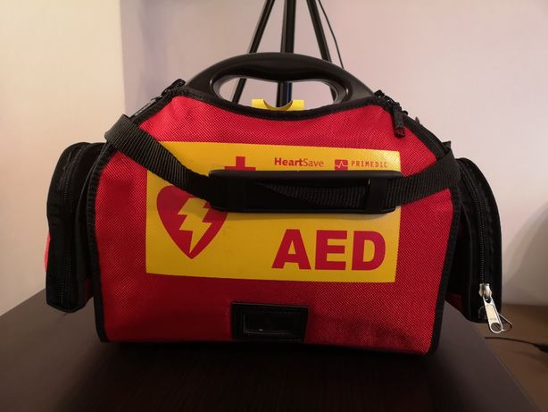 Defibrilator Primedic HEARTSAVE AED M250 + gentuta transport