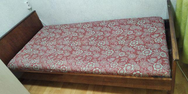 Продам советскую деревянную кровать 100*200
