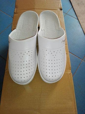 Papuci (saboti) dama