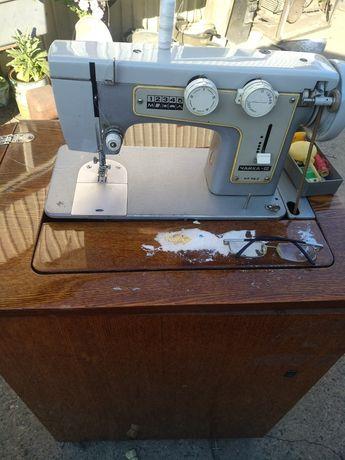 Машинка швейная ножная   Чайка 3