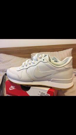 Nike дамски спортни обувки 36,5 / 23см