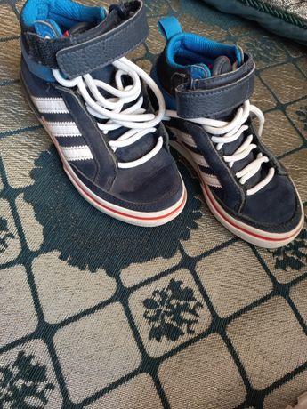 Продам кроссовки в отличном состоянии.