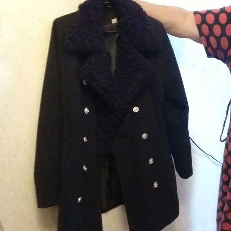 Продам пальто р-р 46
