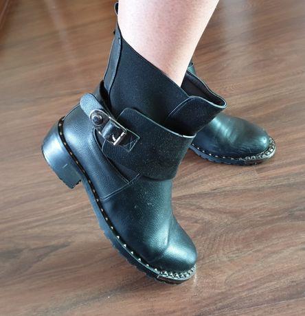 Ботиночки чёрные женские