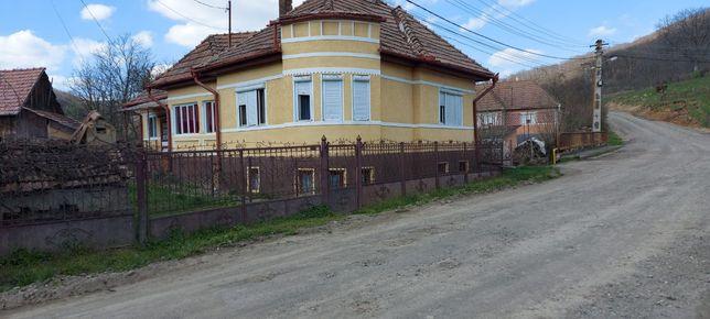 Vand casa de locuit, sat Luieriu
