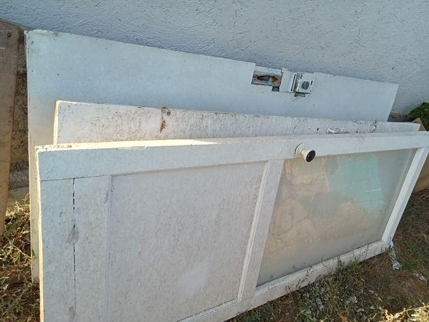 Есіктер/двери қора қопсыларға есіктер бар